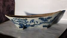 ANTIQUE EARLY 20c CHINESE CERAMIC BLUE AND WHITE BOAT SHAPE 4 FLAT FEET BOWL