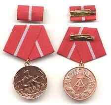 Medaille 10 Jahre Für treue Dienste Kampfgruppe bronze, ungetragen
