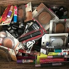 WHOLESALE LOT OF 300 pc CoverGirl Cosmetics, assorted MAKEUP NEW