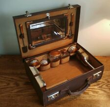 FINE QUALITY GENTS TRAVEL CASE WITH GUILLOCHE DECORATION TO FITTINGS c1930