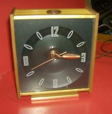 Vintage electric B & B alarm clock with ceiling projected time !