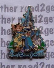 Disney Pin WDW Lilo and Stitch in Front of Cinderella's Castle