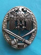 GERMAN ARMY GENERAL ASSAULT 25 ACTIONS ( 1957 STYLE) BADGE