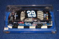 KEVIN HARVICK 2002 WINNER'S CIRCLE NASCAR 1:24 GOODWRENCH E.T. (VN31)