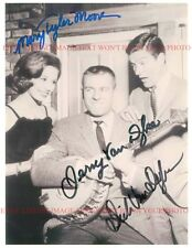 MARY TYLER MOORE DICK AND JERRY VAN DYKE AUTOGRAPHED 8x10 RP PHOTO THE MTM SHOW