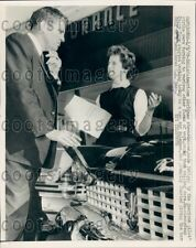 1959 Striking American Airlines Stewardess Sells Cars Dallas  Press Photo