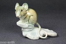 Goebel Porzellan Maus Feldmaus Sitzend auf einem Stein 016