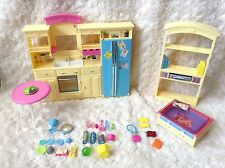 Barbie 2002 Living in Style Playset Kitchen Coffee Table Entertainment Center