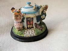 SWEET RABBIT BOY & GIRL IN TEAPOT HOUSE VERY DETAILED GREAT POSES GREAT COND
