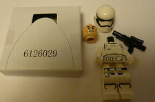 Brand New Lego Stormtrooper Officer minifigure & Weapon from set 75104
