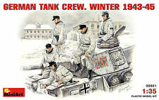 MiniArt 1/35 35021 WWII German Tank Crew (Winter 1943-1945) (5 Figures)