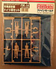 FINE MOLDS FM-14 - 1/35 WWII GERMAN INFANTRY WINTER CAMOUFLAGE SET - NUOVO