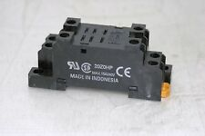 RELAY SOCKET 15AMP 240VAC 8BLADE DIN/SCREW MOUNT OMRON PTF-08A-E