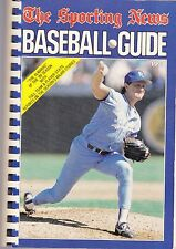 1990 THE SPORTING NEWS BASEBALL GUIDE  ROYALS BRET SABERHAGEN ON COVER