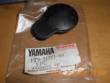 GENUINE YAMAHA  RD350LC  RD250LC DT175  YSR50   DT125 OIL TANK CAP  1T9-21771-00