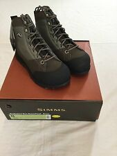 SIMMS HEADWATERS WADING BOOTS - VIBRAM SOLE- SIZE 8 - RETAIL $149.95