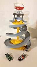IMAGINEXT DISNEY PIXAR CARS MOVIE 2 GRAND PRIX SPIRAL RACE TRACK PLAYSET 2 CARS