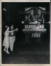 1951 Press Photo Shriner couple serenaded by the Al Koran Temple band while