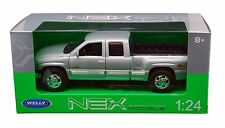 "Welly 1999 Chevy Silverado 1500 Pickup truck 1:24 diecast 8"" model Silver W208"