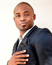Wayne Brady / Lets Make A Deal  8 x 10 GLOSSY Photo Picture