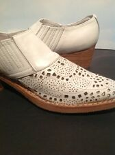 Jeffrey Campbell White Leather Cutout Booties Size 8 Ankle Boots