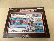 New 1991 Racing Champions Diecast NASCAR Richard Petty STP Set w/ Action Figure