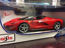Maisto 1:18 Scale Diecast Model Car - LaFerrari (Red)