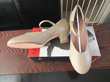 "Tan capezio jr footlight 1.5"" heel character/stage dance shoes - size UK 4.5"