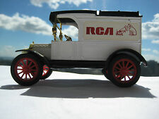 1913 FORD MODEL T VAN WITH RCA & NIPPER LOGO WITH ORIGINAL BOX