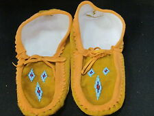 NATIVE AMERICAN SLIPPERS 12  INCHES LONG ALARMING BEADED DESIGN COZY LINED