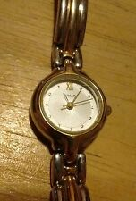 Vintage Pulsar V811-X036 Ladies watch, running with new battery NR A