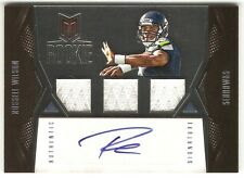 2012 Panini Momentum Russell Wilson Card #131 Triple Jersey Auto #/599 RC  P1161