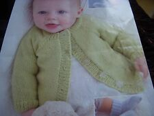 398/ Sirdar Knitting Patterns premature -12mths Cardigan Hat Mittens Bootees4ply