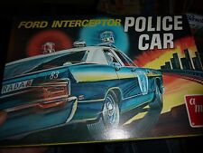 VINTAGE AMT FORD POLICE INTERCEPTOR 1/25 Model Car Mountain T227