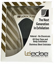 2 x NEW Le Edge Exfoliator Tool  Black/Gold print  NEW IN BOX. LIMITED EDITION.