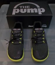 NEW IN BOX WOMENS SIZE 7.5 BLACK AND YELLOW REEBOK PUMP SNEAKERS