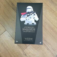 First Order Snowtrooper Officer 1:6 Hot Toys Star Wars the Force Awakens Figure