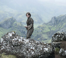 Maisie Williams UNSIGNED photo - E414 - Game of Thrones