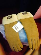 NEW UGGS GLOVES WITH TAG