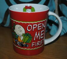 """Peanuts Charlie Brown Christmas Coffee Mug NEW Open Me First Snoopy Wreath 4"""""""