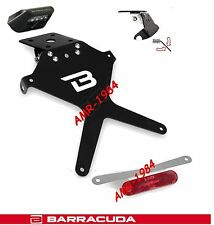 PLACA MOTO AJUSTABLE UNIVERSAL + LUZ PLACA LED BARRACUDA + REFRACTIVO