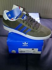Deadstock...adidas ciero  old school unisex trainers. 100% genuine.. size 6 uk..