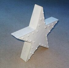 LARGE WHITE STAR FIVE POINTED LED  ILLUMINATED WOODEN 30 LED LIGHTS 3AA BAT OP