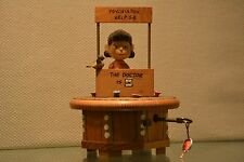 SNOOPY PEANUTS CHARLIE BROWN ANRI VINTAGE WOODEN MUSIC BOX LUCY FIGURINE 1968