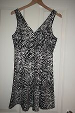 Brand New With Tags Top Shop Grey White Abstract Feather Print Dress Size UK 8