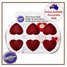 WILTON DECORATING 6 MINI HEART SHAPED SILICONE MOLD COOKIE CUPCAKE TRAY LOVE