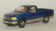 Ertl Klassiker Ford F 150 Pick UP Truck in dunkelblau metallic, 1:18, W010