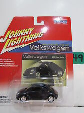 JOHNNY LIGHTNING VOLKSWAGEN 2002 NEW BEETLE DARK BLUE