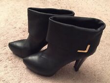 Louis Vuitton Women's Black Leather 9 cm Queen Ankle Boot Size 40 **NEW*