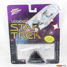 Legends of Star Trek Johnny Lightning USS Voyager NCC-74656 series 3 light wear